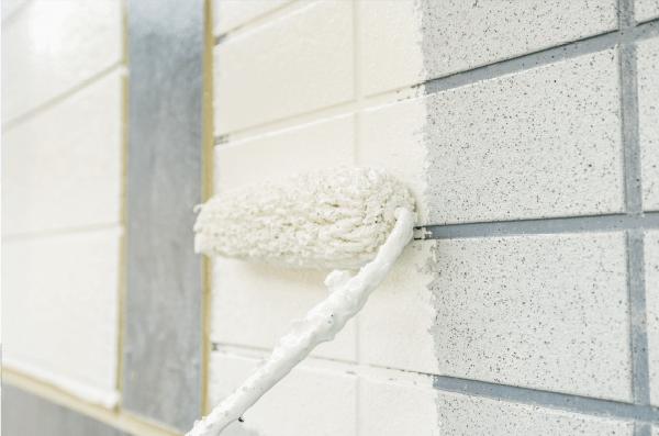 塗装工事において下地処理と希釈で塗料を最大限に活かす